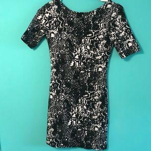 Pattern bodycon dress